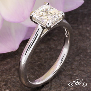 ASSCHER CUT DIAMOND SOLITAIRE