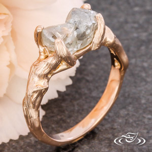 TREE BRANCH RING WITH ROUGH DIAMOND