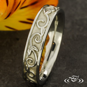 18K WHITE GOLD 5MM CARVED BAND