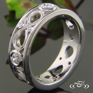 PIERCED INFINITY KNOT BAND