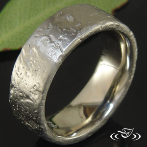 RUSTIC 14K WHITE GOLD 8.5MM BAND
